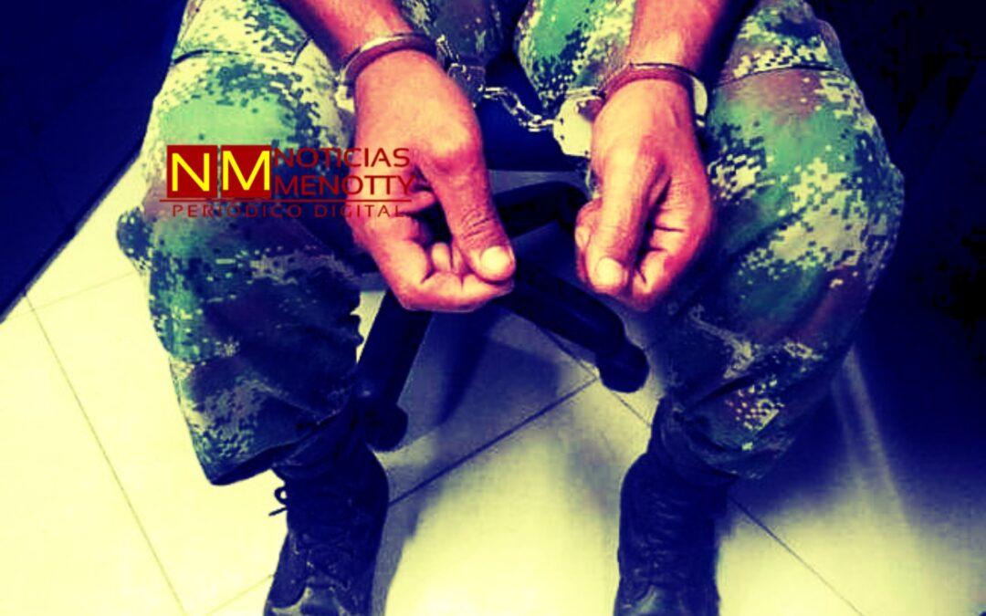 Sargento del ejército ebrio fue capturado por agredir a su esposa.