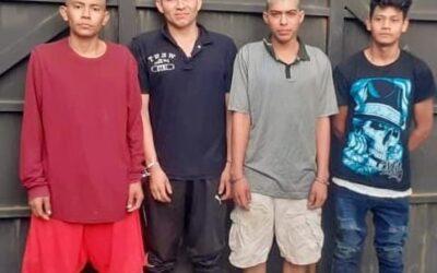 Cinco pandilleros capturados con moto robada, en Santiago de María.